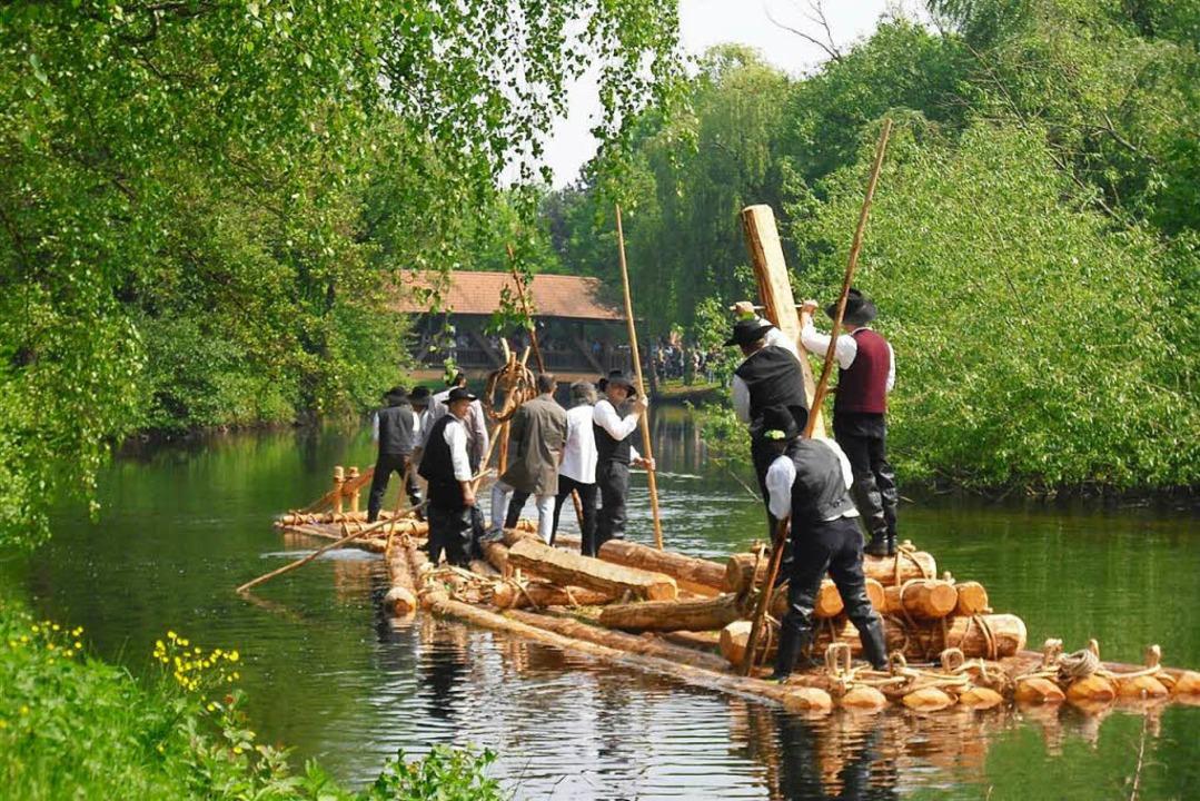 Floßfahrt auf der alten Kinzig   | Foto: Veranstalter