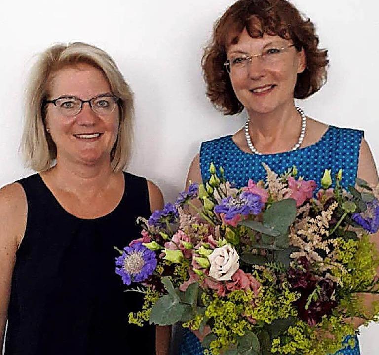 Die verabschiedete Vorsitzende Irene U...tellenleiterin Claudia Dorner-Müller.   | Foto: privat