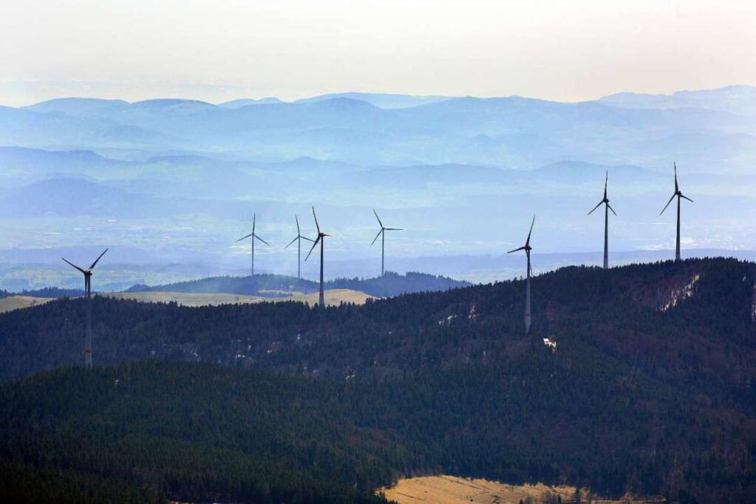 Zwei Windparks auf einmal: Vorne ist d...opf zu sehen, dahinter der Glaserkopf.  | Foto: Erich Meyer