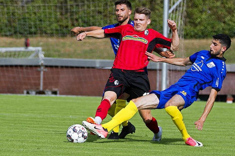Impressionen vom Spiel SC Freiburg gegen FC Waldkirch (Foto: Daniel Fleig)