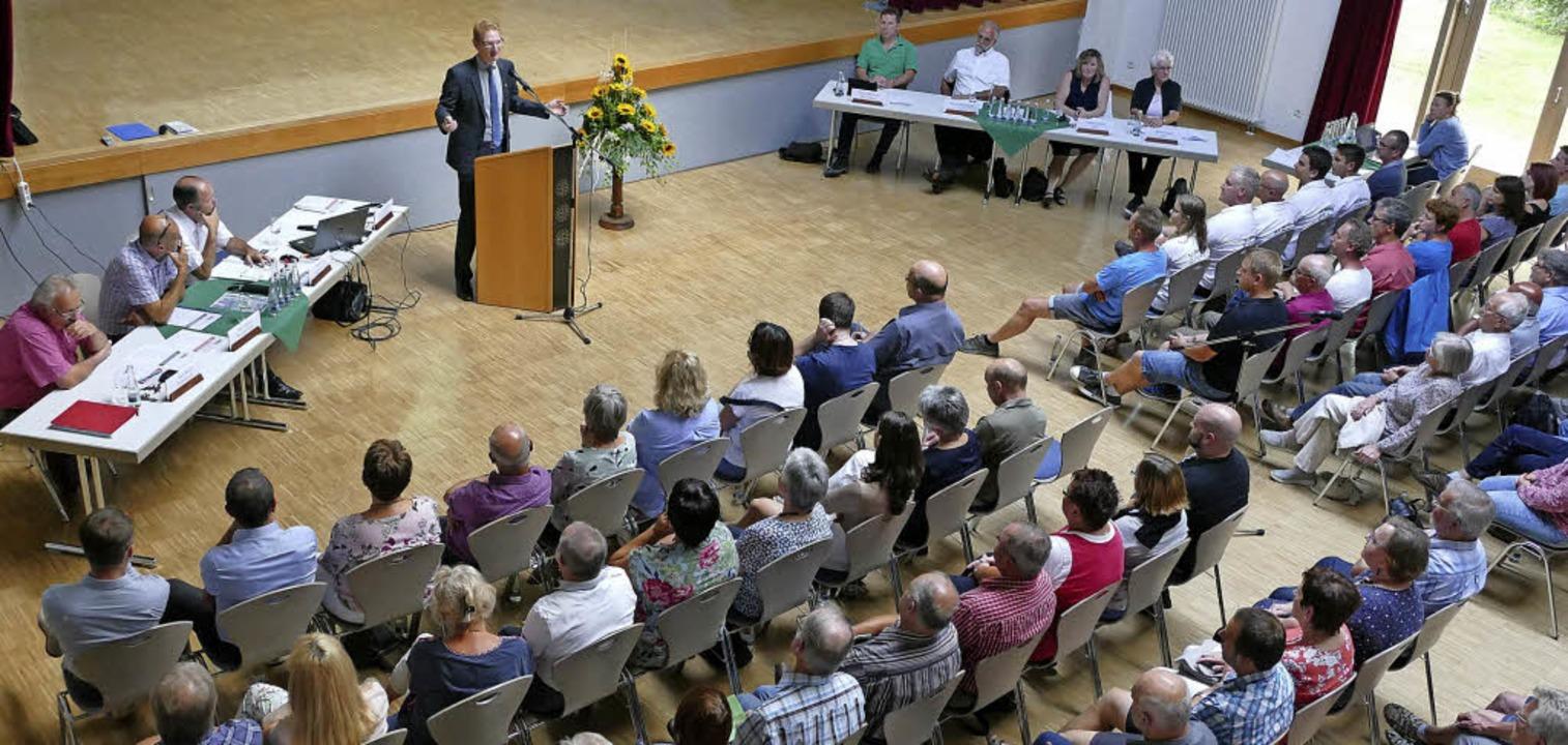Die Bürgerversammlung im Bürgerhaus war gut besucht.     Foto: Lena Marie Jörger