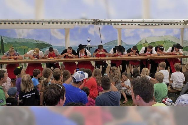 Nudelfest mit Nudelwettessen und Musik in Reute