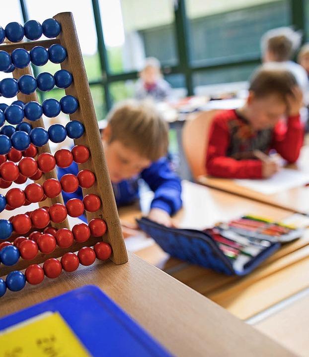 In Bad Säckingen gibt es fünf Grundschulen.     Foto: Symbolfoto: Rumpenhorst/dpa