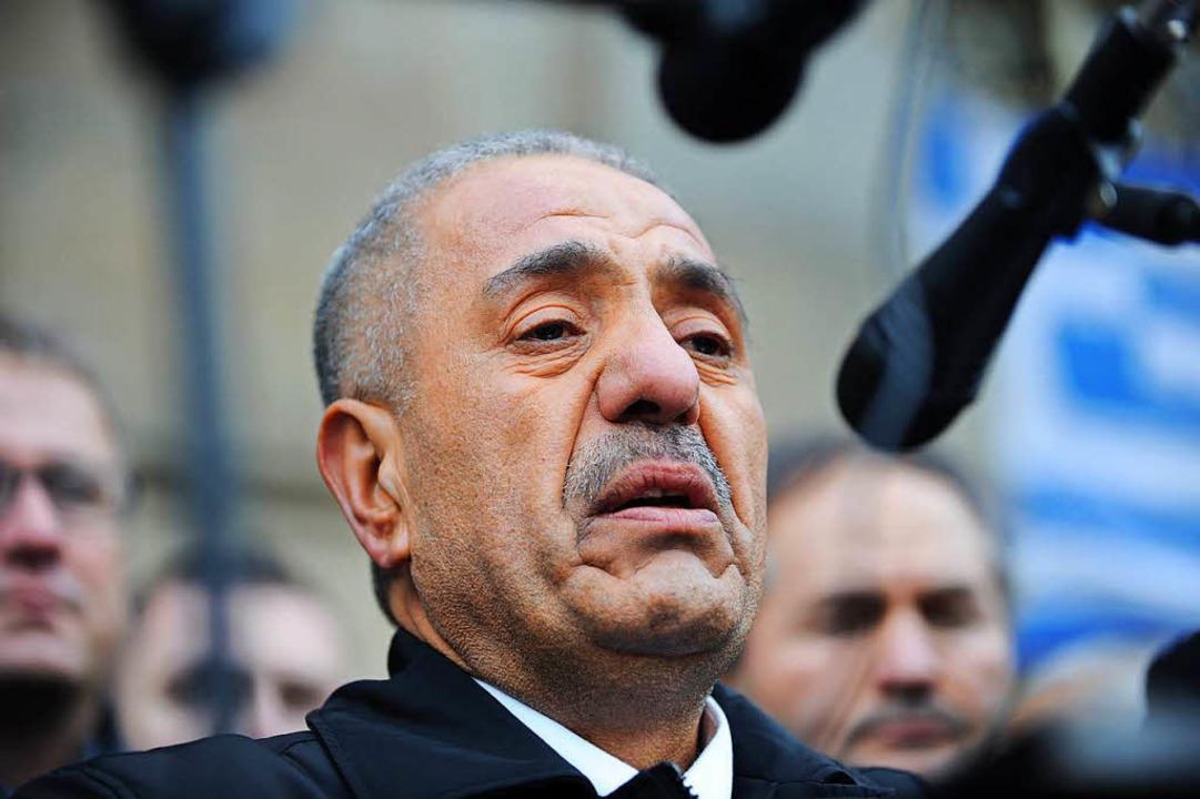 Schmerz, lebenslang: Ismail Yozgat, Vater eines Opfers, als Zeuge vor Gericht  | Foto: dpa
