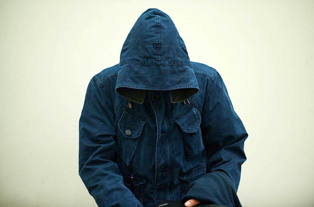 Carsten S., einer der beiden Geständig... –  er hat die Tatwaffe besorgt.  | Foto: dpa