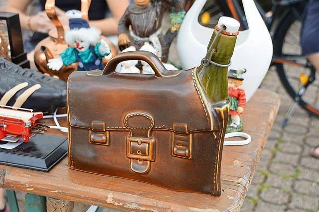 Garagenflohmarkt in Rheinfelden: Mit 20 Euro ist der Einkauf erledigt
