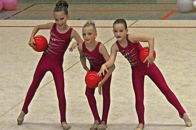 Akrobatische Künstlerinnen