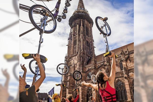 Benefiz auf dem Münster mit dem Circus Harlekin
