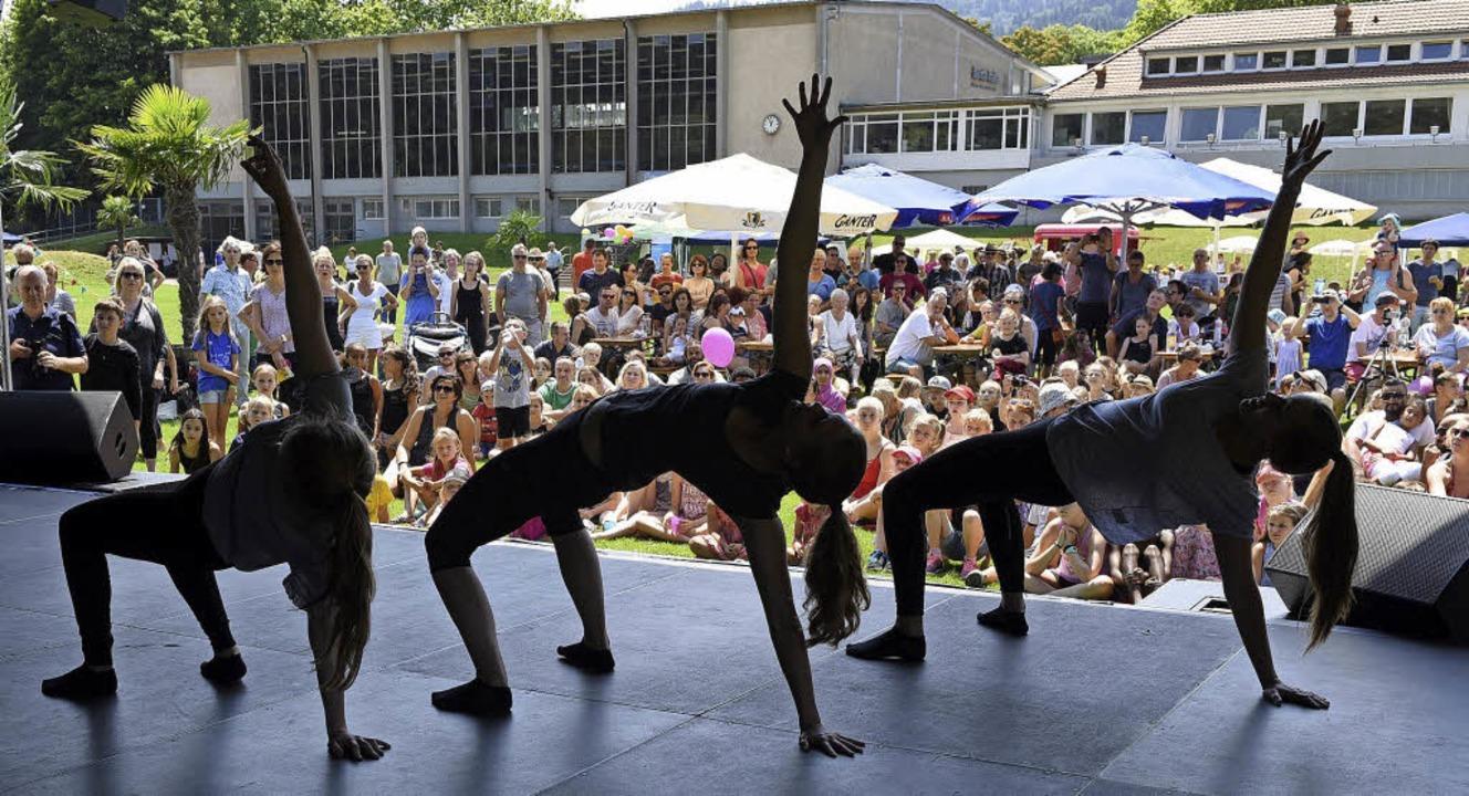 Jazzdance, Showdance, Modern Dance, HipHop: Auf der Bühne war was los.   | Foto: Rita Eggstein