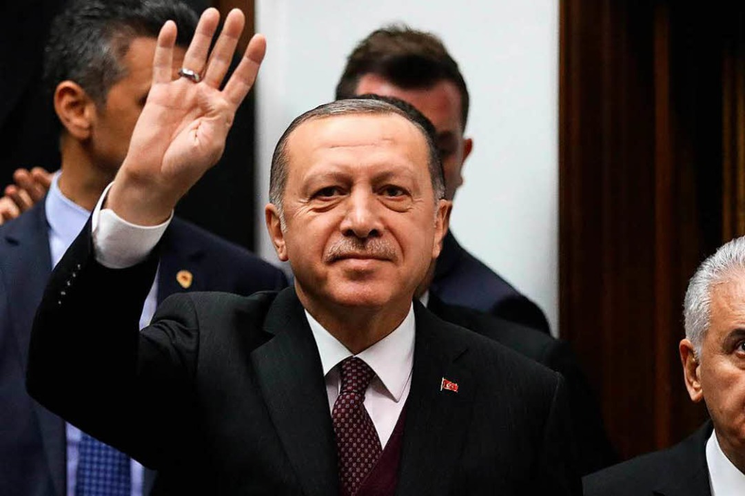 Im Handstreich entließ Erdogan über 18000 Staatsbedienstete.  | Foto: AFP