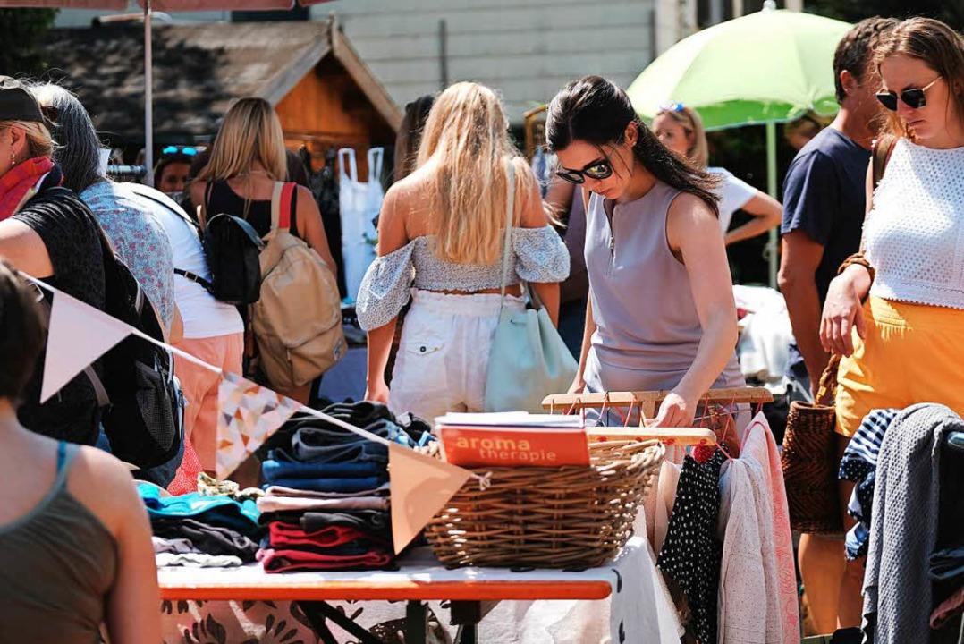 Ein Flohmarkt zum Stöbern  | Foto: Miroslav Dakov