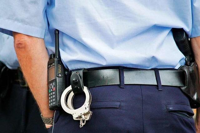 Mann wirft in Lörrach Honigmelone und verfehlt knapp einen Polizisten