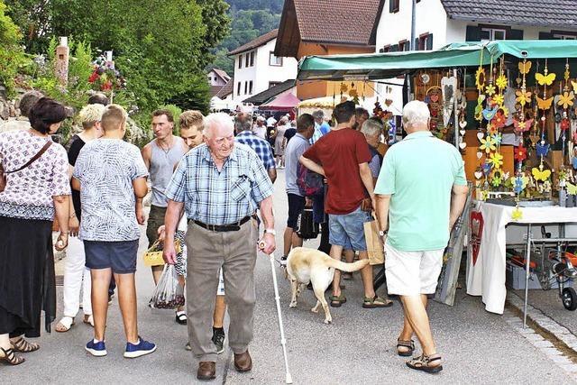 Halb Bauernmarkt, halb Volksfest