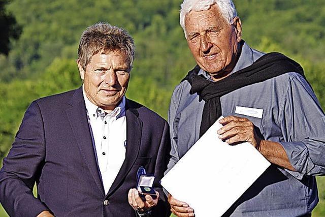 Goldene Ehrennadel geht an Rolf Wetzel