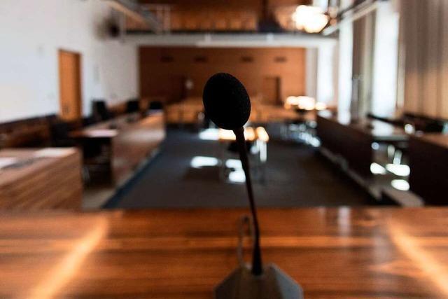 Warum Vertreter des Jugendamts mit Anwälten zum Prozess kamen