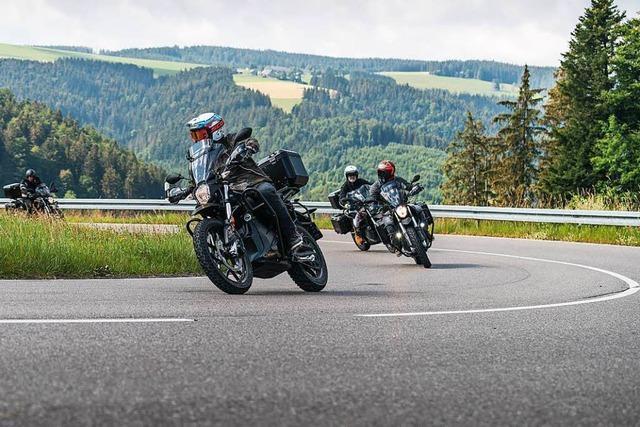 Surren statt knattern – auf dem Elektromotorrad durch den Schwarzwald