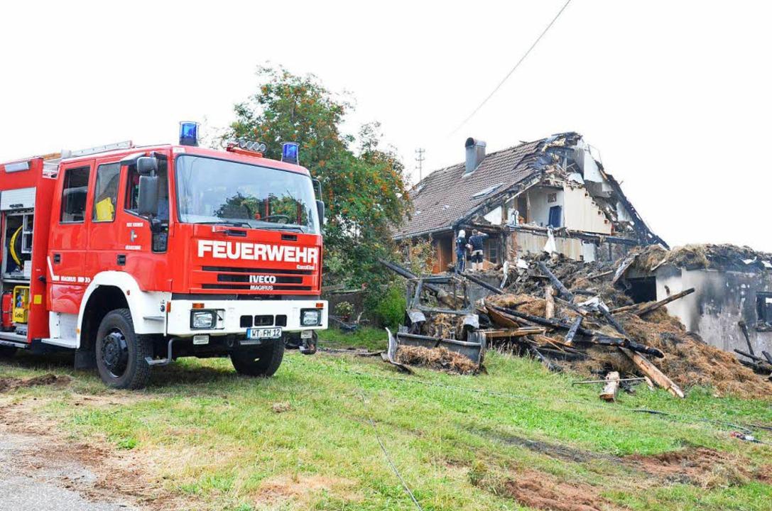 Der Ökonomieteil des Bauernhofes brann...ädigt und ist derzeit nicht bewohnbar.  | Foto: Sebastian Barthmes