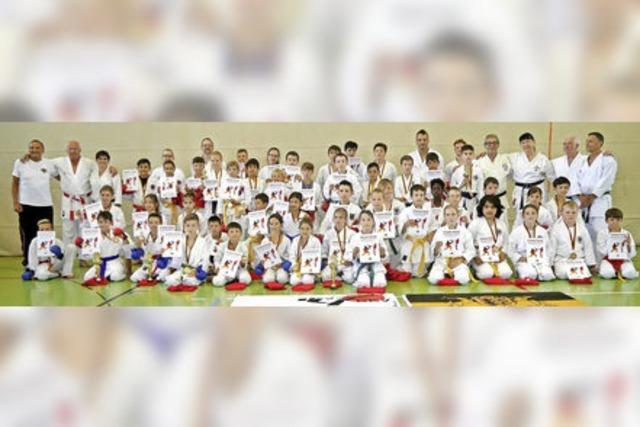 Grenzüberschreitendes Karatetraining