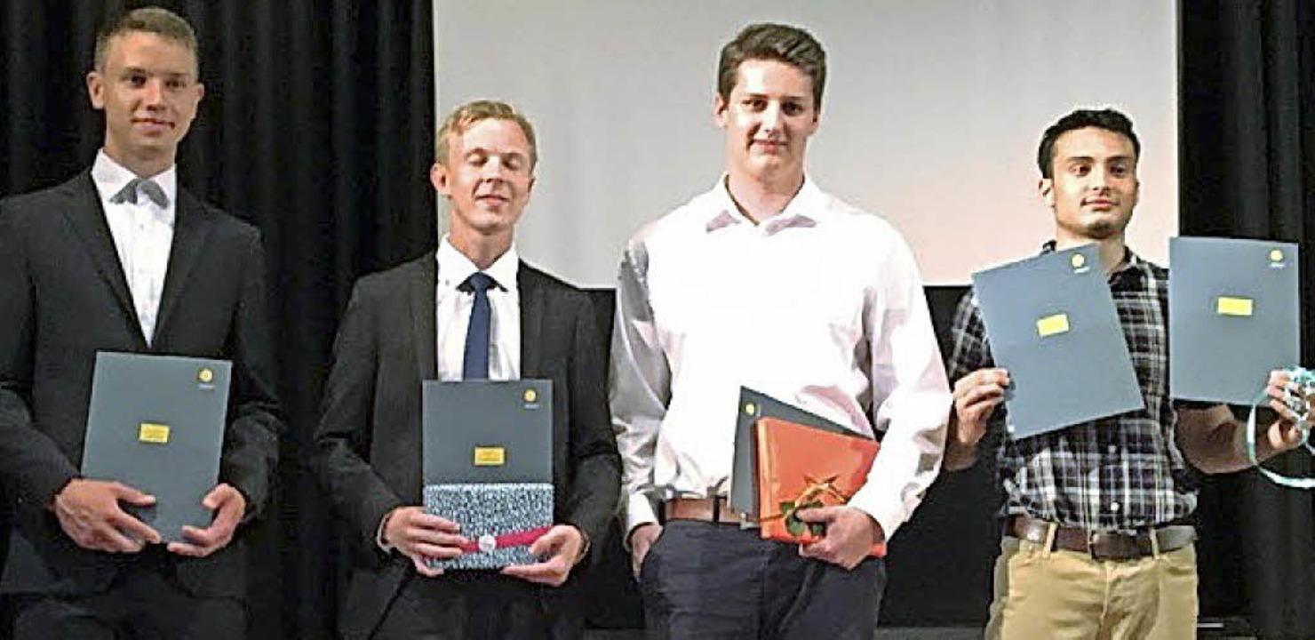 Die Preisträger am Technischen Gymnasium in Rheinfelden     Foto: Schule