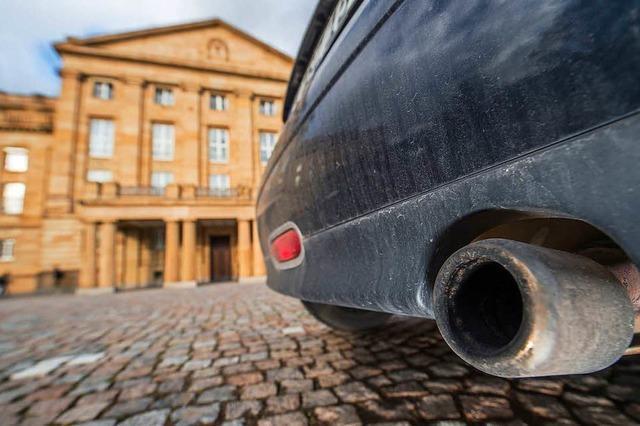 Ältere Diesel werden in Stuttgart verboten – und der Nahverkehr billiger