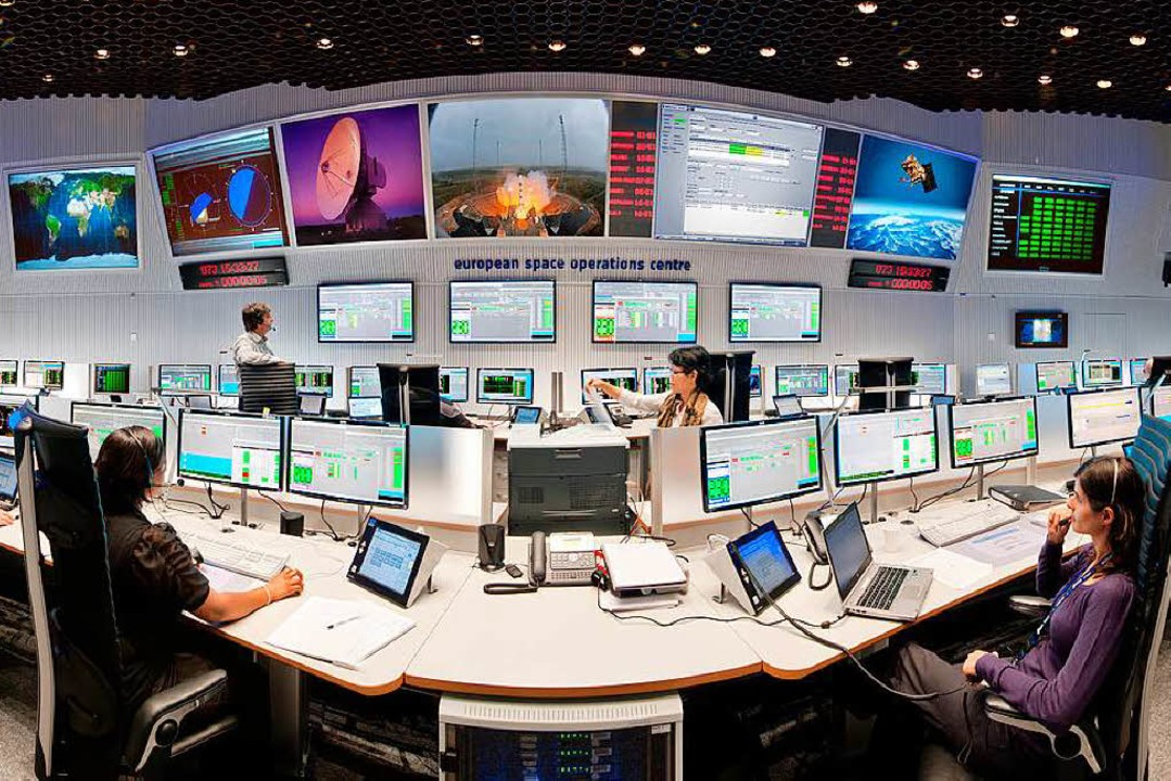 Weltall hautnah: das Europäische Raumfahrtkontrollzentrum in Darmstadt    Foto: ©ESA, J. Mai, CC BY-SA 3.0 IGO