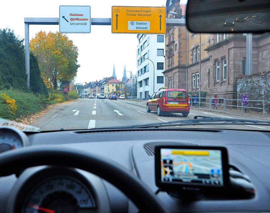 Das Navi sucht sich die schnellste Rou... über St. Märgen und St. Peter führen.  | Foto: Michael Bamberger