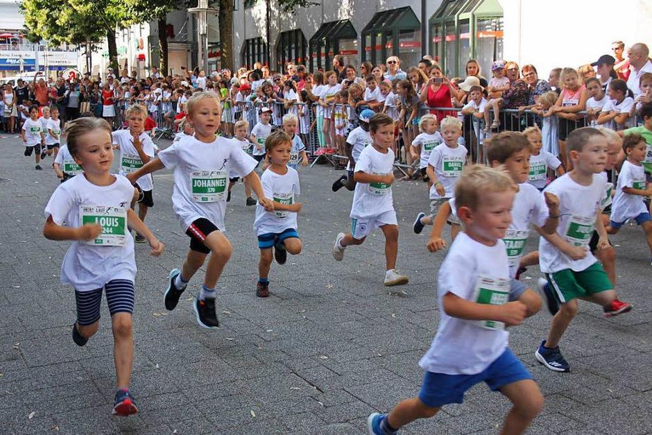 Mit Begeisterung dabei waren die jüngsten Starter beim jetzt Trompeterlauf heißenden Altstadtlauf. (Foto: Nina Witwicki)