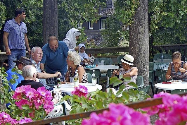 Café mit Grill im Sanagarten