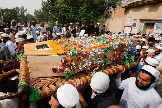 Mindestens 128 Tote bei schwerstem Anschlag in Pakistan seit Jahren
