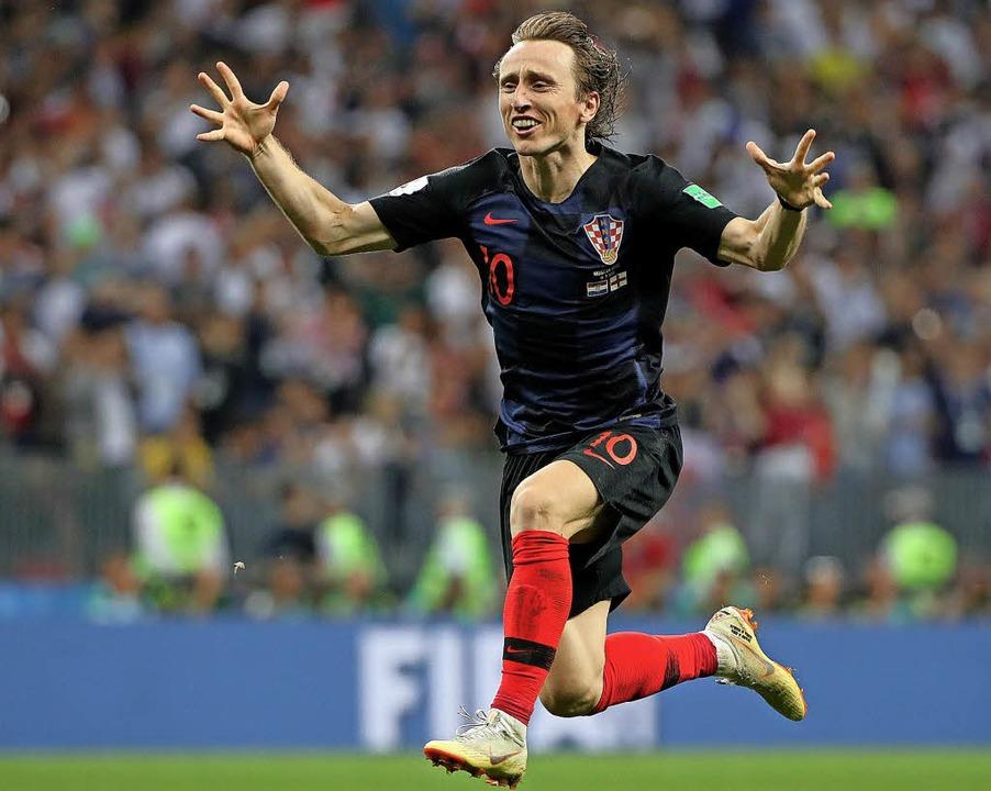 Sich freuen wie ein Kind: So hüpfte de...Spielmacher Luka Modric durch die WM.   | Foto:  DPA