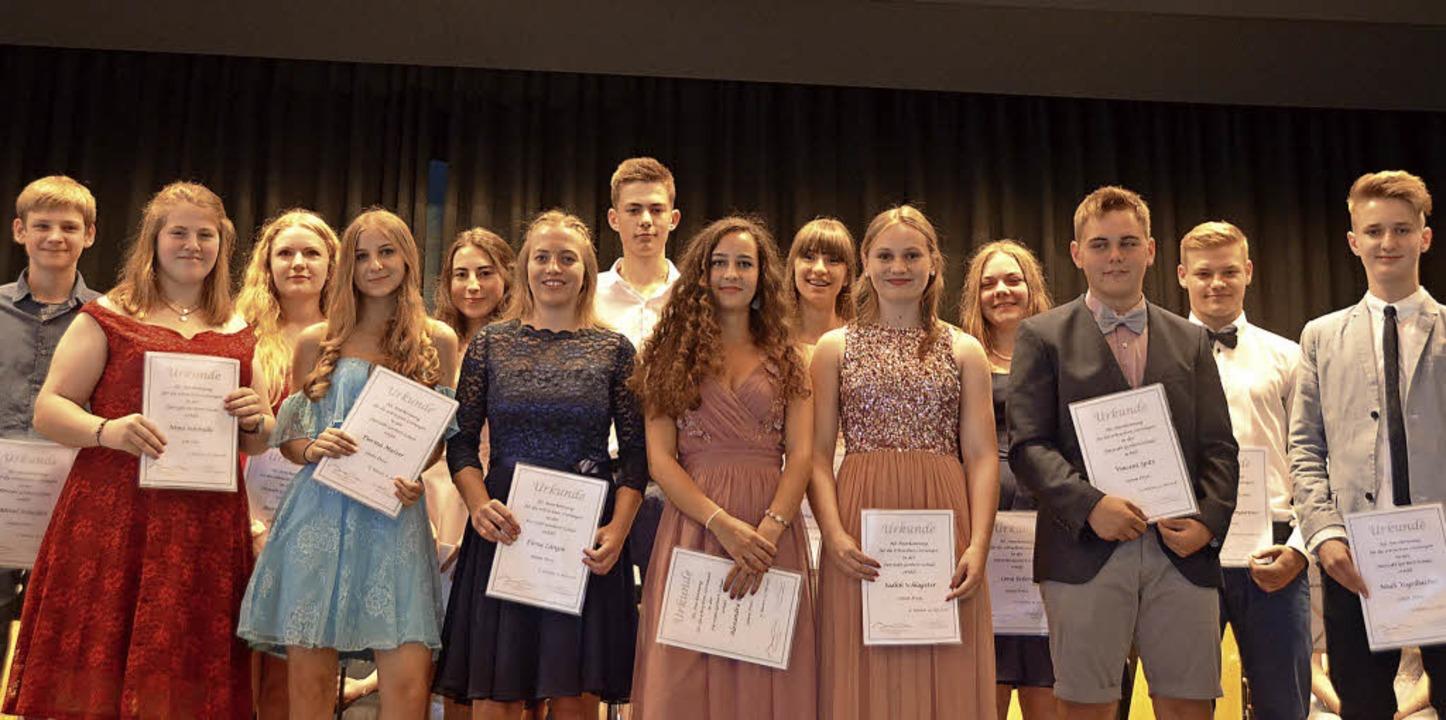 Zahlreiche Schüler freuten sich über Preise für gute Leistungen.   | Foto: Christiane Sahli