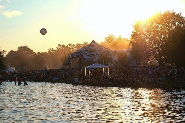 Ein Stück Ibiza am Tunisee: Beim Sea You Festival feiern Tausende Menschen
