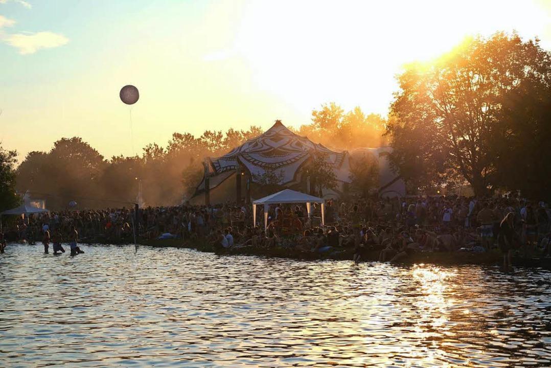Tausende Menschen feierten beim Sea You Festival.  | Foto: Miroslav Dakov
