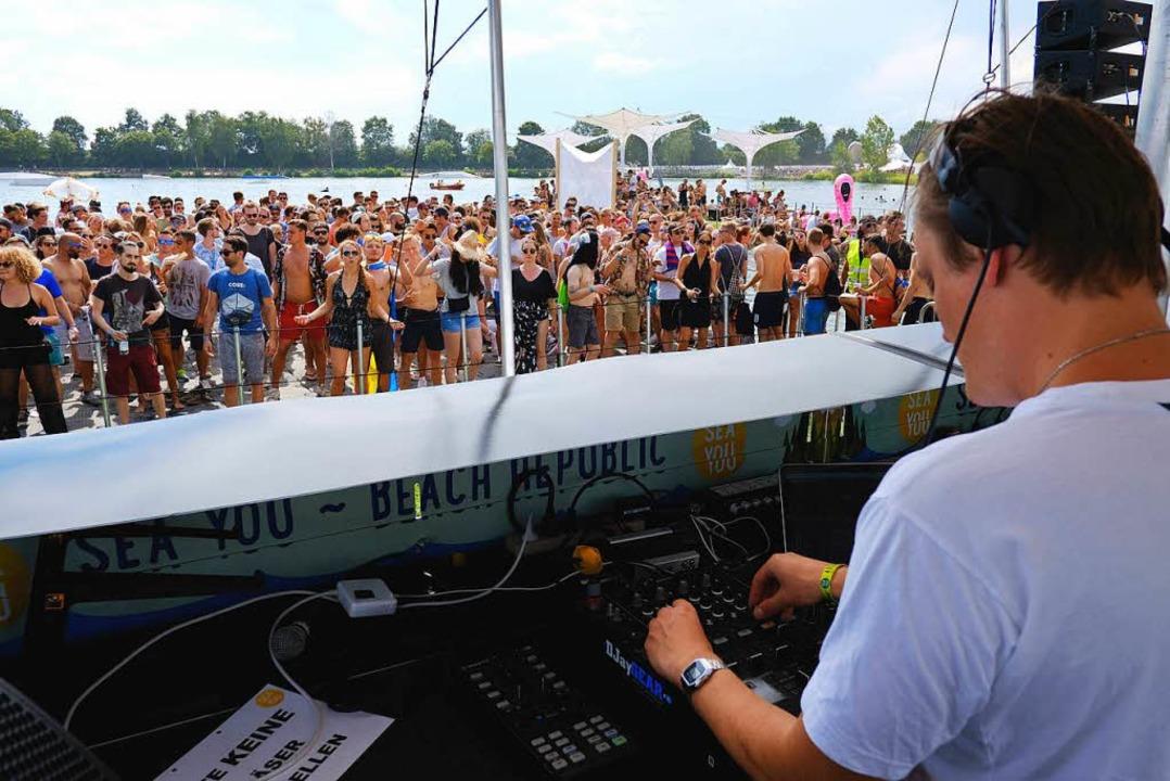 DJs und Fans hatten am Tunisee ihren Spaß.     Foto: Miroslav Dakov