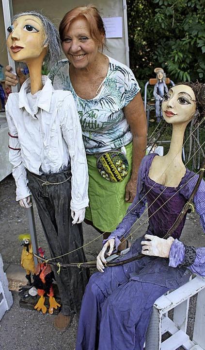 Lebenspralle Figuren und Puppen aus Stoff macht Eva Lübold    Foto: Hans Jürgen Kugler
