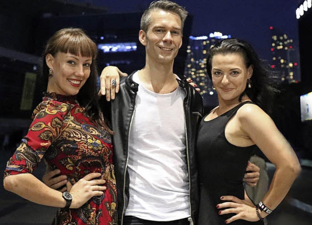 Willi Auerbach mit seinen beiden Assistentinnen   | Foto: privat