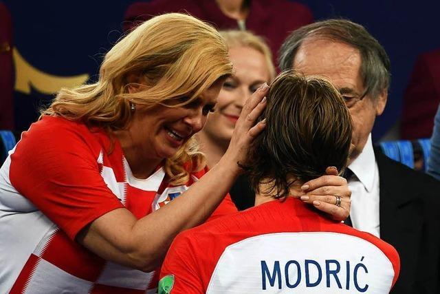 So eroberte Kroatiens Präsidentin die Herzen der Fußballwelt