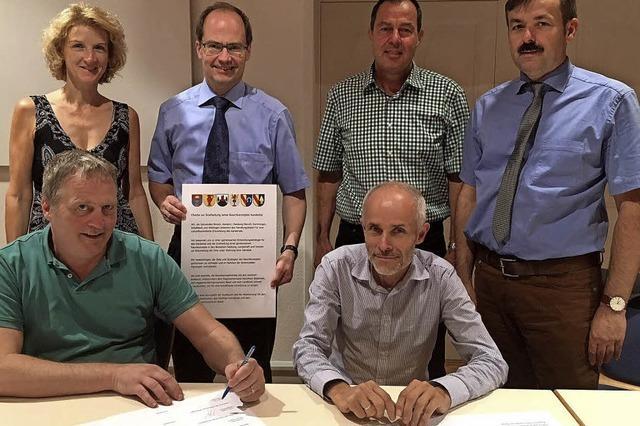 Charta besiegelt die Zusammenarbeit
