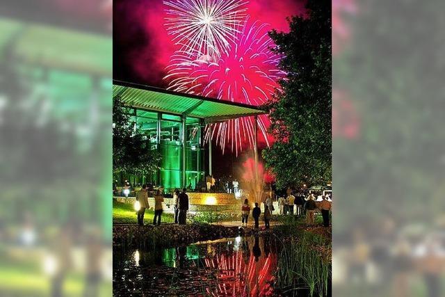 Sektfestival im lauschigen Park