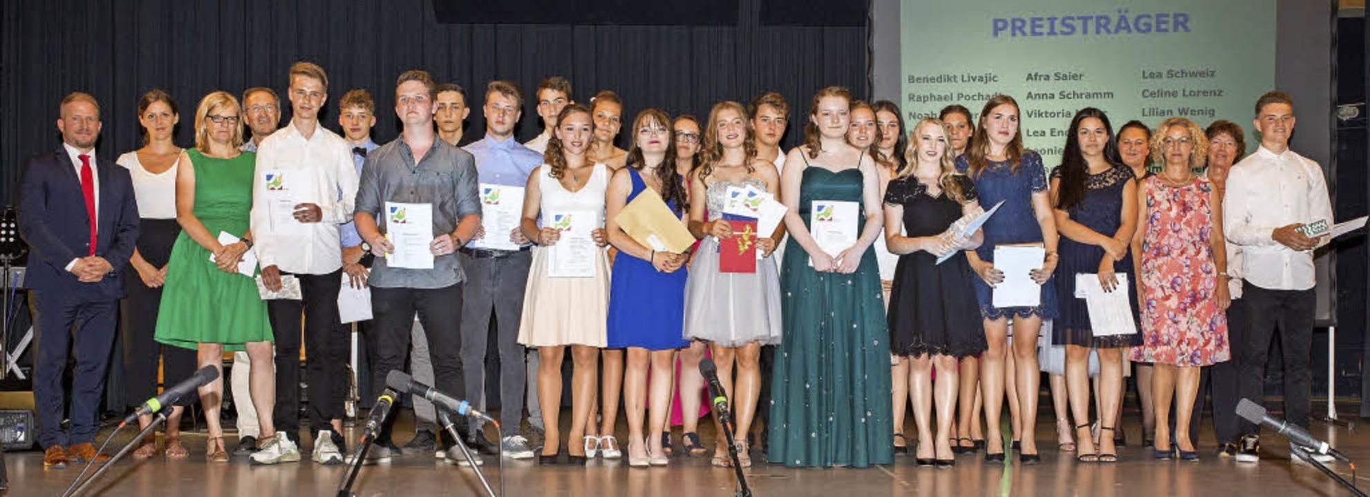 Die Preisträger des Abschlussjahrgangs...ealschule am Giersberg in Kirchzarten     Foto: Thomas Steuber