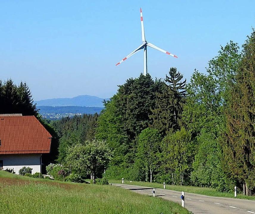 Das Windrad in Schuttertal dreht sich ... Rotzel will die BEG mit investieren.   | Foto: Kurt Meier
