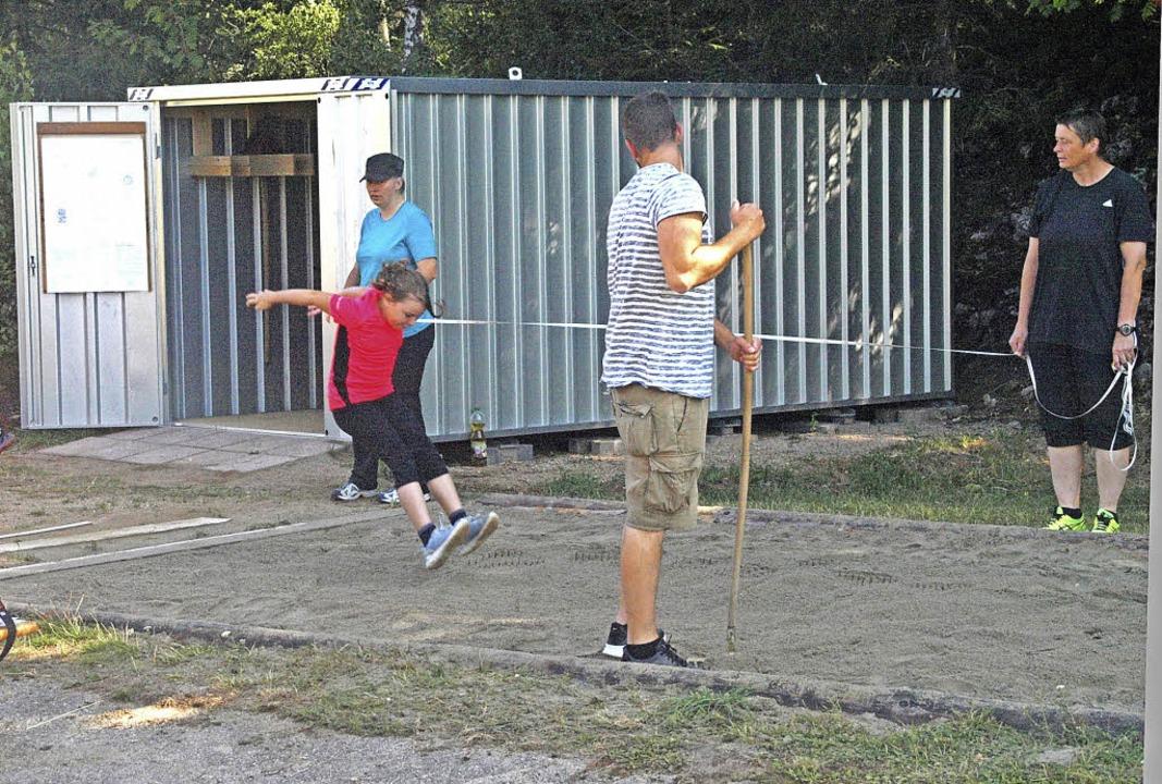 Auch bei ihrem Sporttag im Rahmen der ..., die sie auf dem Sportplatz benötigen  | Foto: Karin Stöckl-Steinebrunner