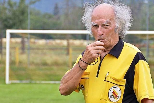 Mit 82 Jahren ist Werner Ziebold Südbadens ältester Schiedsrichter