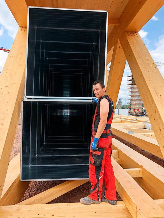 Dachbinder mit eingebauten Lüftungskanälen  | Foto: Michael Thoma