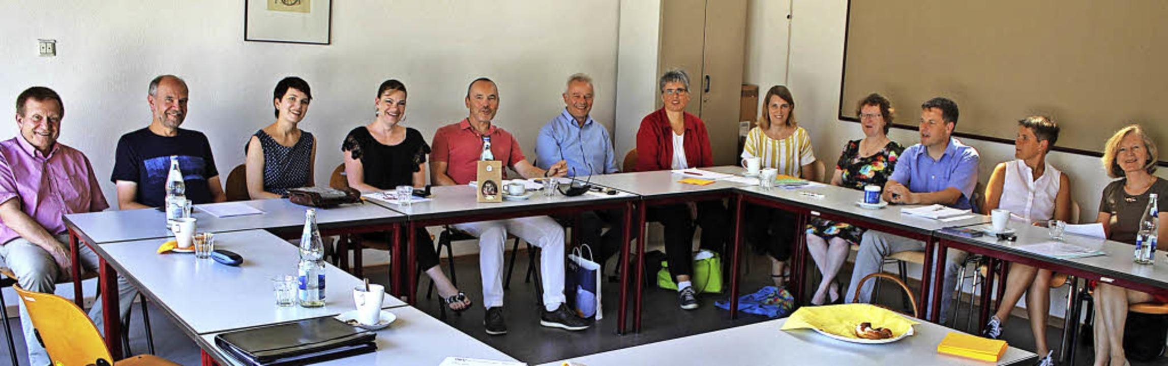 Seltener Anblick: Die Leiter der Volks... Gedankenaustausch kollektives Lernen.    Foto: Rolf Reißmann