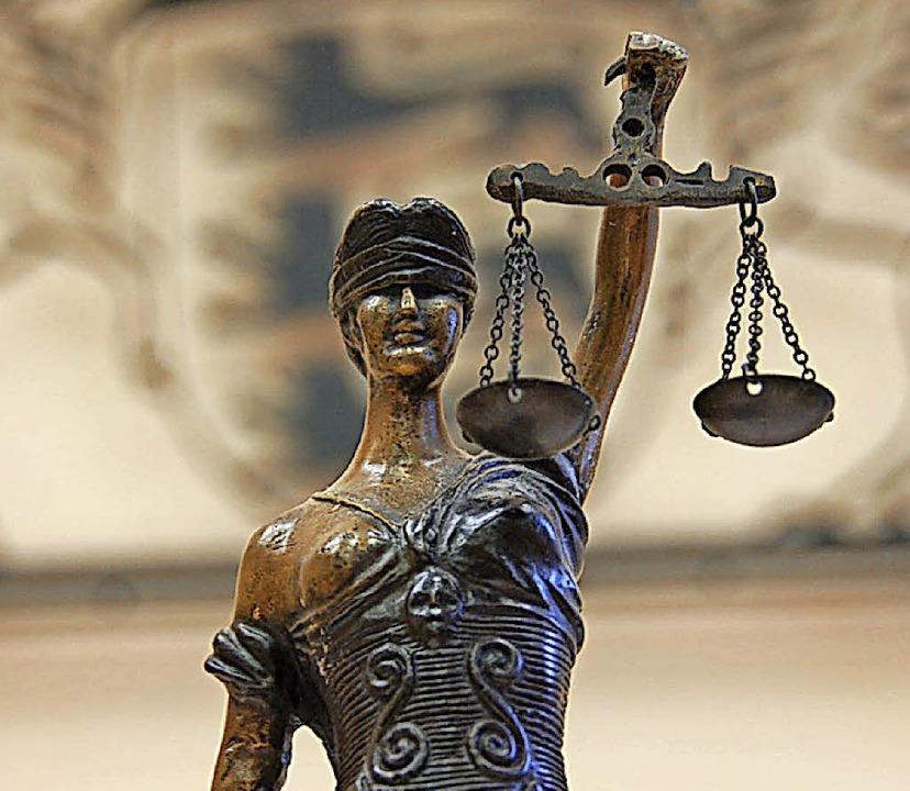 Justitia musste am Ende kein neues Urteil fällen.     Foto: A. Hönig