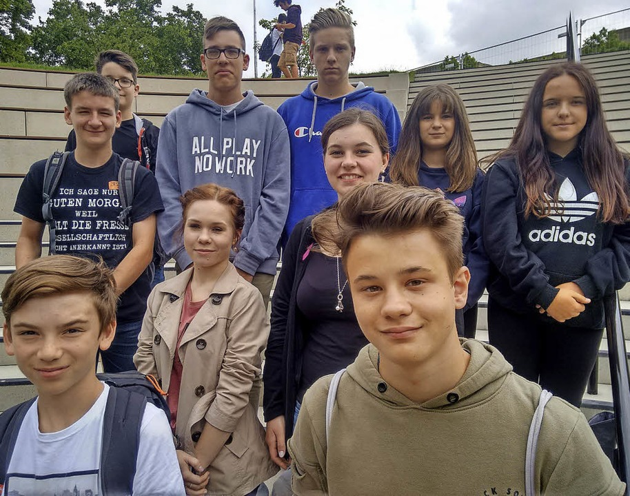 <BZ-FotoAnlauf>Schüler aus Ettenheim</...rle, Loreen Ebert, Violetta Widerspan     Foto: Stadt
