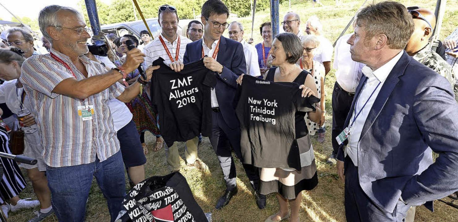 ZMF-Gründer Alex Heisler, Förderkreis-... Oßwald (von links) bei der Eröffnung   | Foto: Ingo Schneider