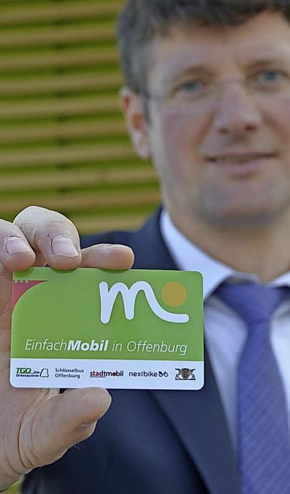 Die Einfach-Mobil-Karte gibt es am Sam...e übliche Schutzgebühr von fünf Euro.     Foto: Seller