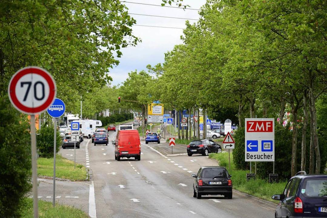 Auf Freiburgs Westrandstraße droht ab Montag Stau.  | Foto: Ingo Schneider